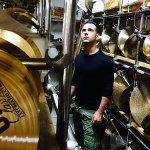 """Roberto Pirami(Batterista & Presidente Free Drumming Studio) """"Una professionista creativa e seria, le si può affidare qualunque cosa avendo sempre la sicurezza che troverà la soluzione migliore… una garanzia!"""""""